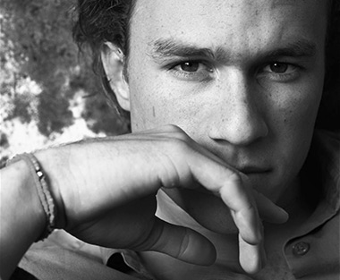 Heath Ledger died after acute intoxication from a mixture of prescription painkillers.